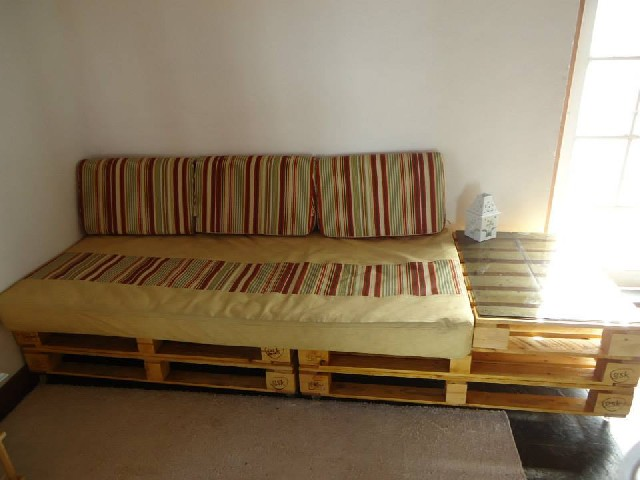 Pallets e chapatex lote classificados brasil for Sofa reciclado